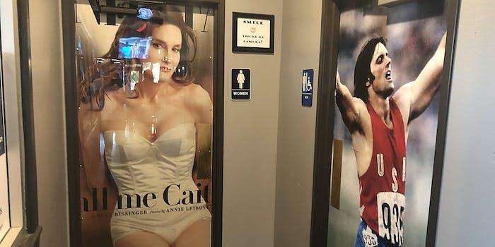Transphobic bathroom decoration found by twitter user