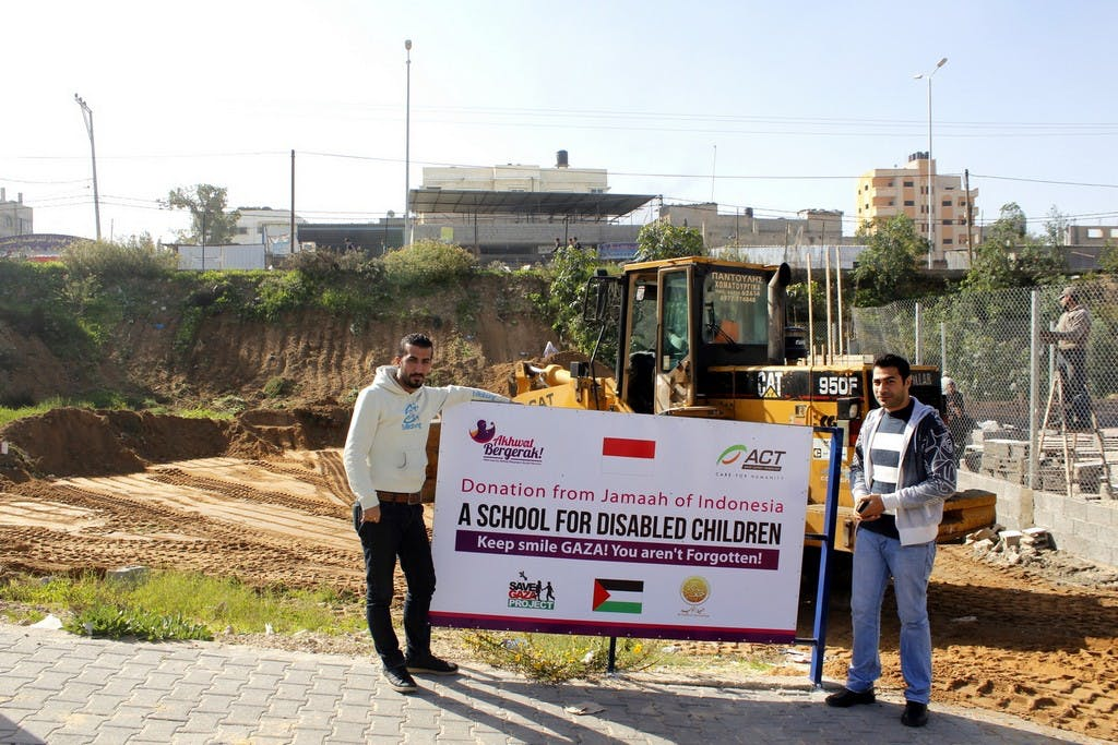 Dr. Basel Abuwarda and Mostafa Asi at the school's construction site
