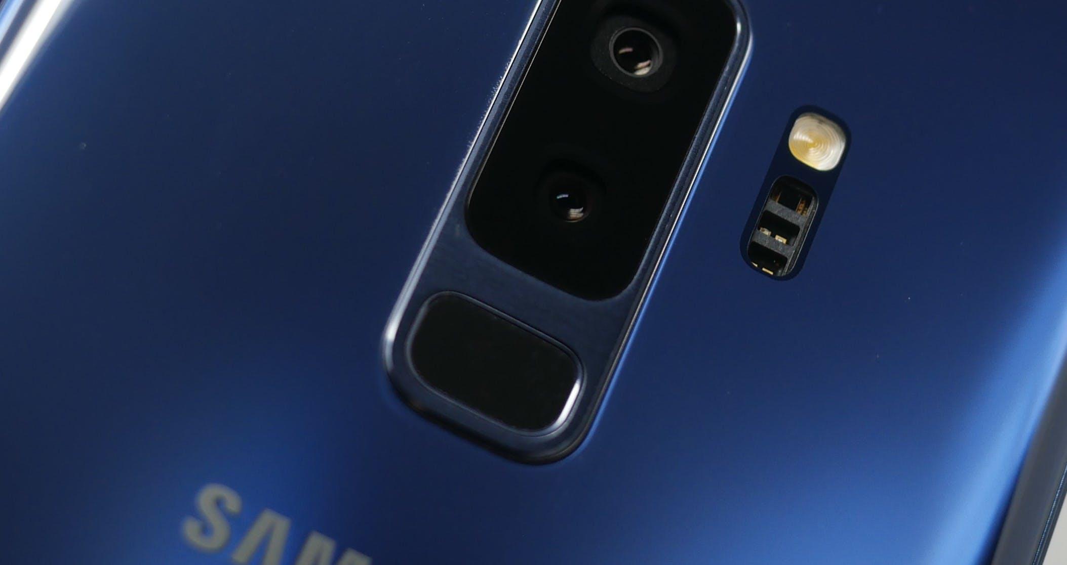 best smartphones 2018 - samsung galaxy s9+ fingerprint sensor dual-lens camera
