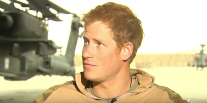 prince harry running for helicopter
