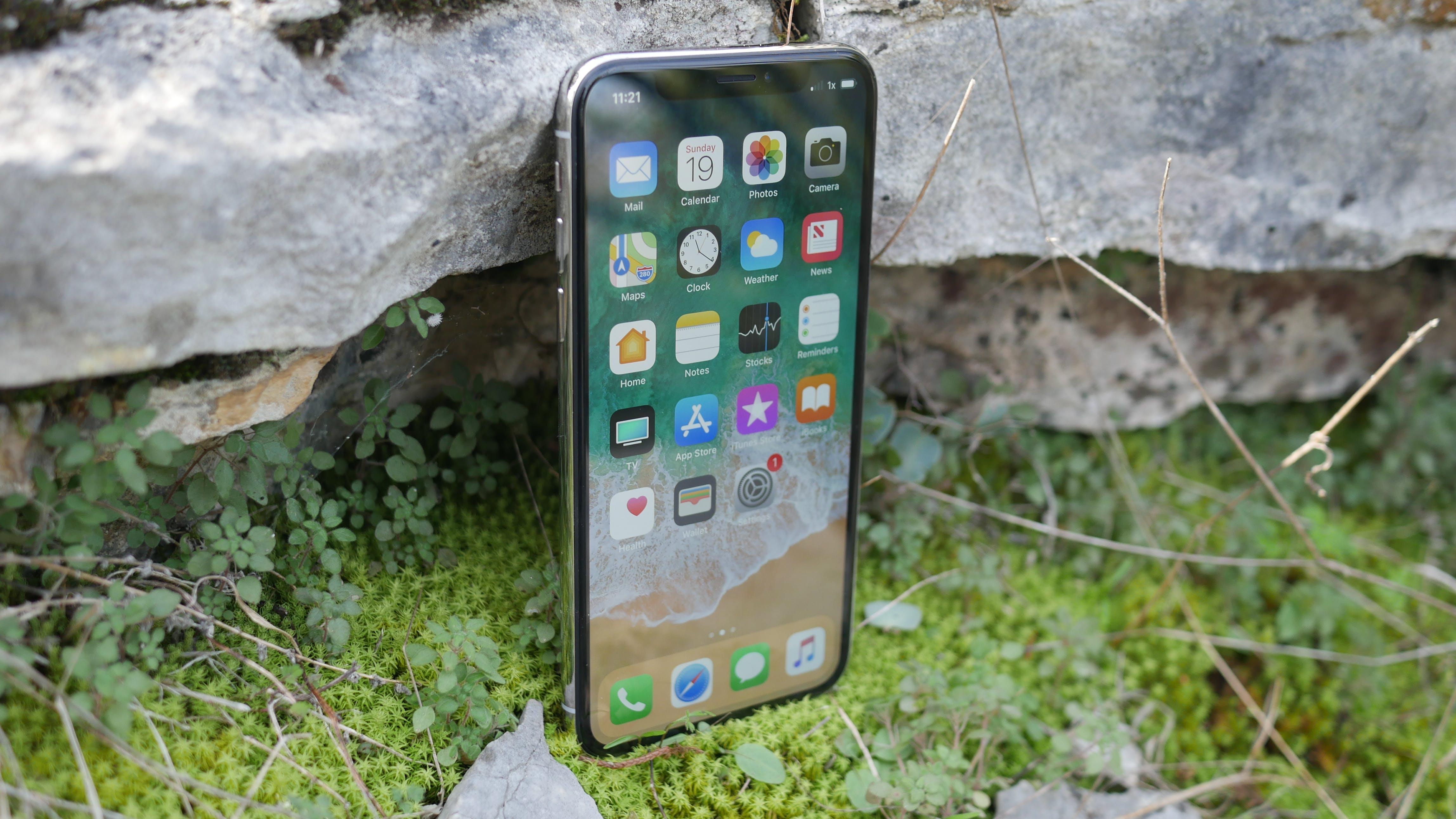 best smartphones 2018 - Apple iPhone X front display