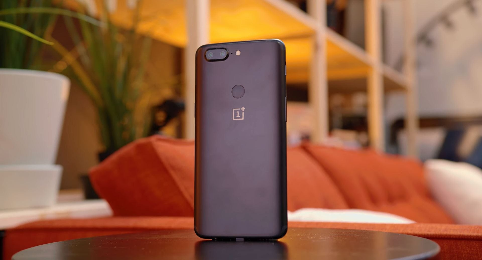 OnePlus 5T smartphone rear