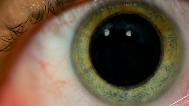 ketamine_dialated_eye