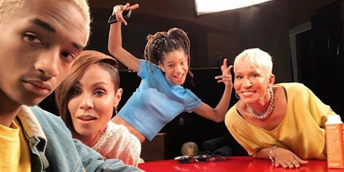 Jada Pinkett Smith, Jaden Smith, Willow Smith pose for a selfie
