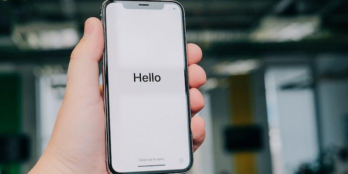 iPhone X Hello screen