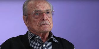 Actor William Daniels, who played Mr. Feeny on 'Boy Meets World,' fended off a would-be burglar at his home.