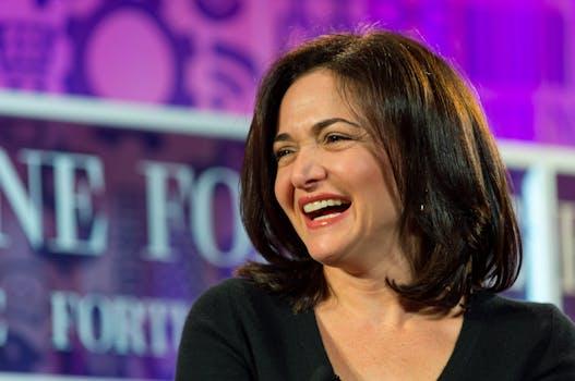 Sheryl Sandberg pr definers soros