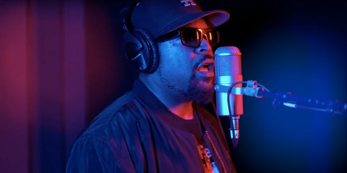 Ice Cube's song 'Arrest the President' compares Trump to Satan.