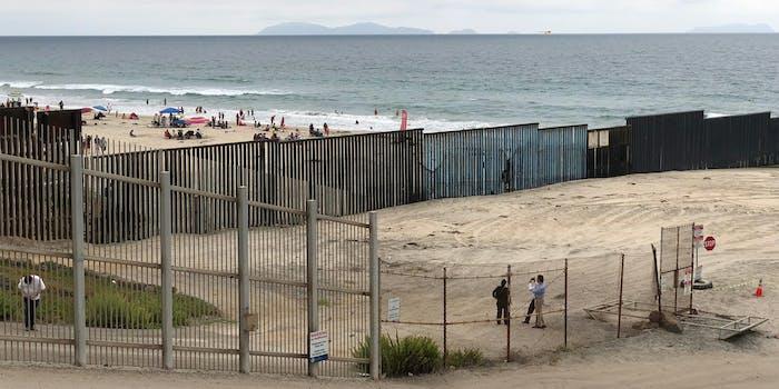 us mexico san diego tijuana border wall