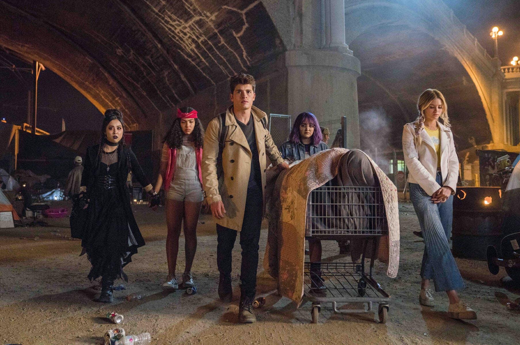 hulu marvels runaways season 2 review