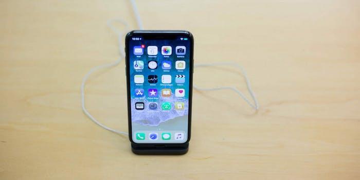 iphone x pixels lawsuit