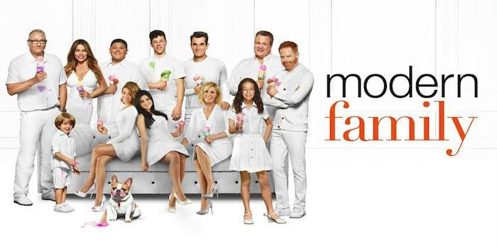 watch modern family online free