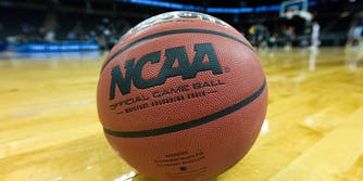 watch march madness 2019 online free