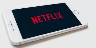 watch netflix on apple devices