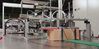 amazon-packaging-machines-workers