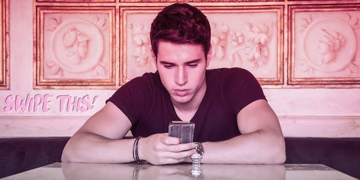 swipe this texting boyfriend