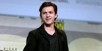 tom-holland-rescues-fan
