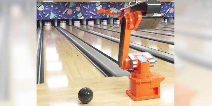 robot-bowling-video
