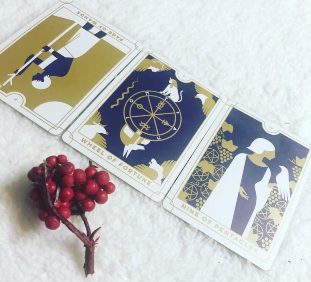 Everyday tarot mini tarot deck on a white background.
