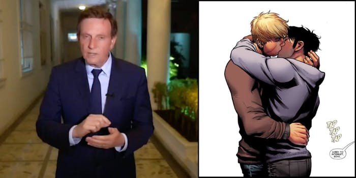 brazil-avengers-comic-gay-kiss
