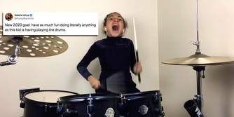 screaming-drummer-girl-nandi-bushell-nirvana