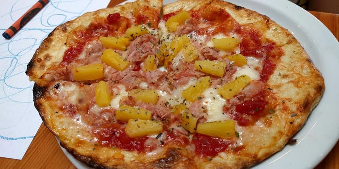 pineapple pizza food meme