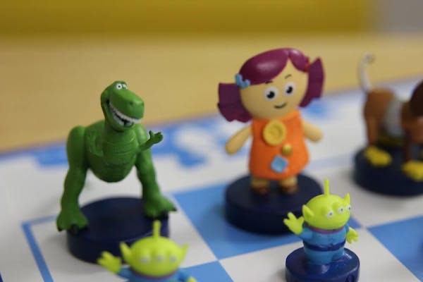 toy story 4 chess