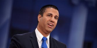 FCC report phone carriers illegal location sharing