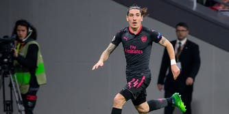 Hector Bellerin playing match for Arsenal