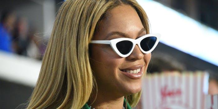 Beyonce sitting at Superbowl
