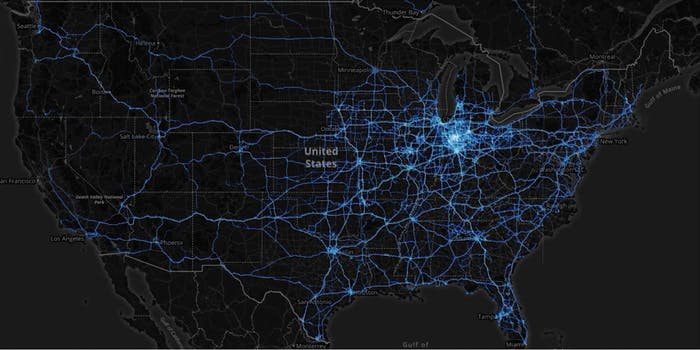A map of the U.S. with blue lines representing cell phone travel
