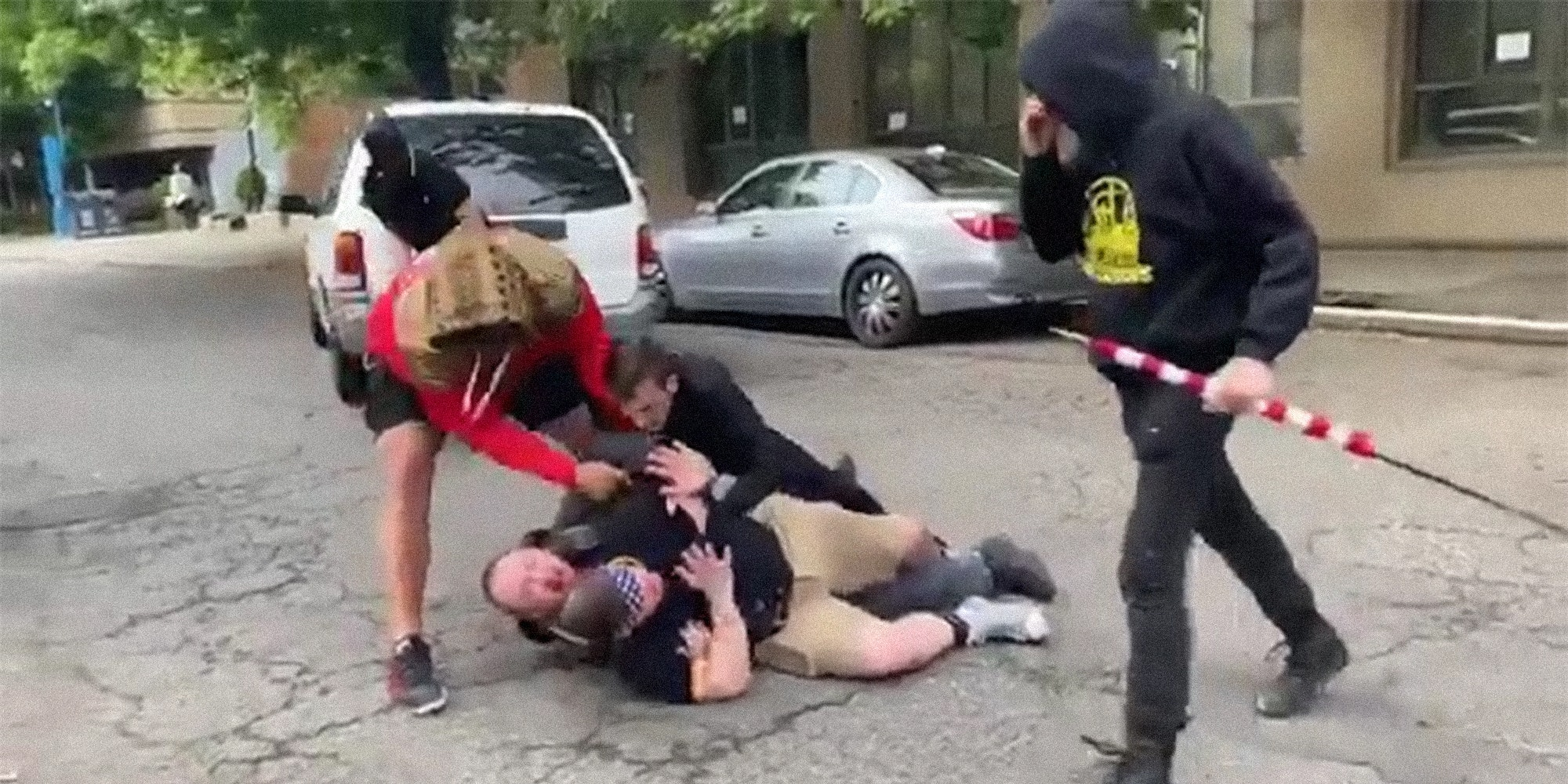 """four """"Proud Boys"""" attack a man in the street"""