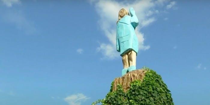 melania statue
