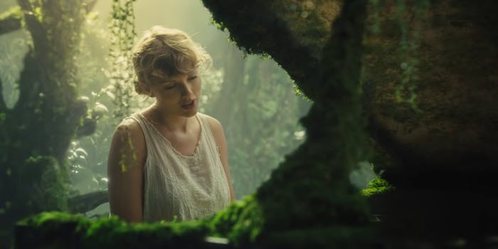 taylor swift fans folklore review
