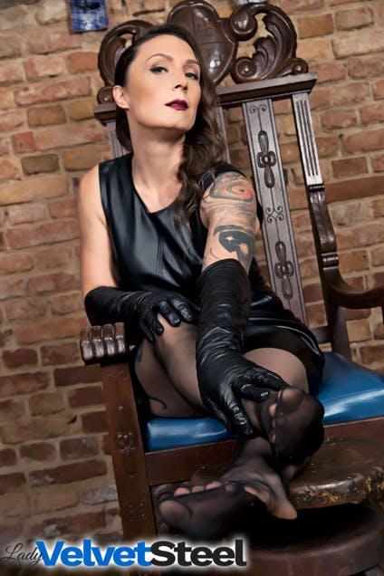 lady velvet steel professional dominatrix