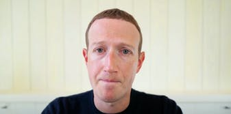 Zuckerberg denies that Facebook is run by the right wing