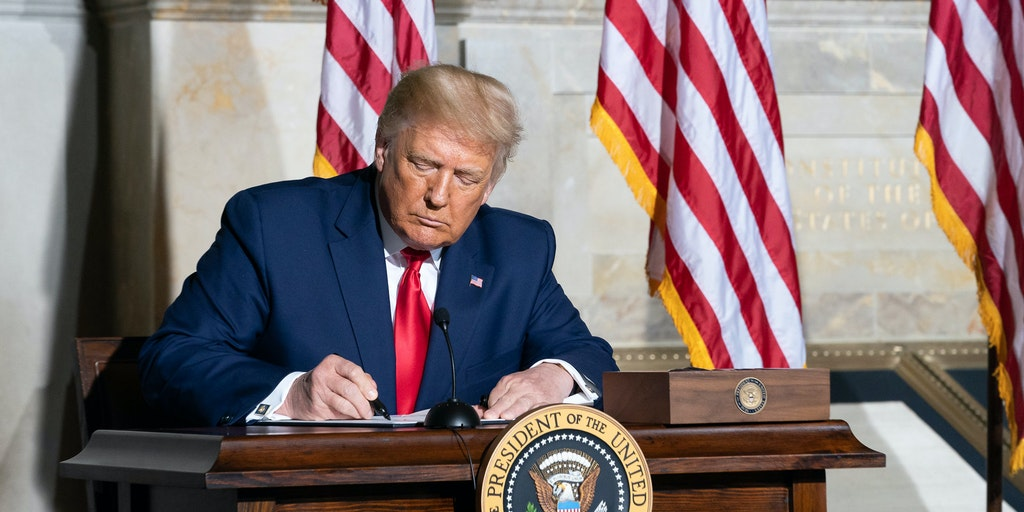 donald trump signature