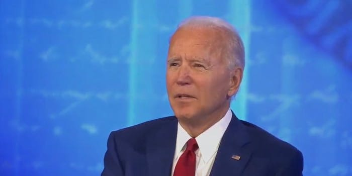 Joe Biden tells police to 'shoot them in the leg' at the town hall