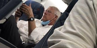 Senator Roger Wicker not wearing a mask on a plane