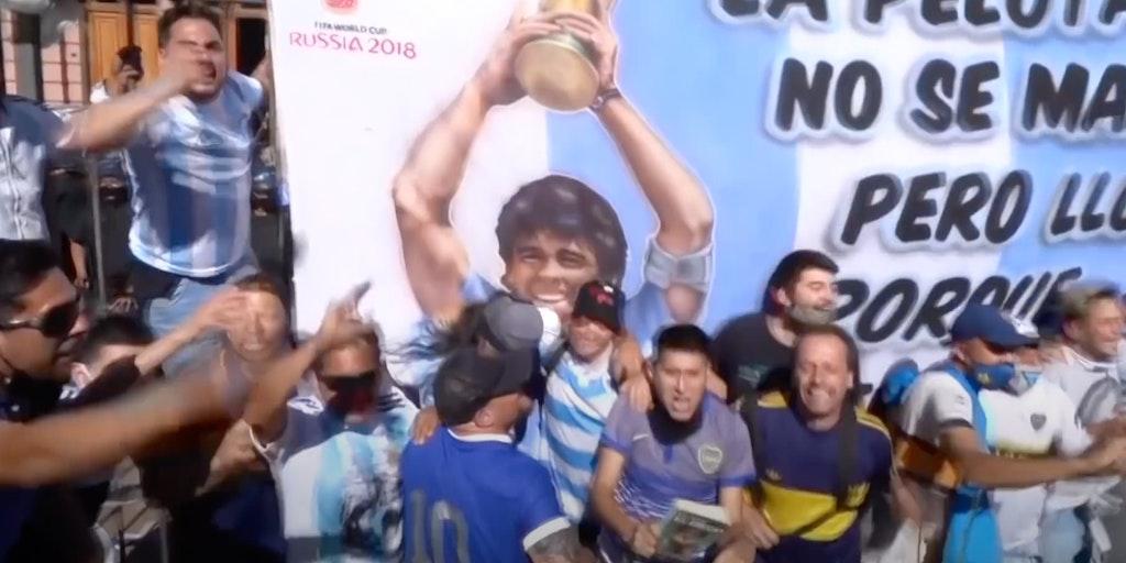 maradona_corpse_selfie