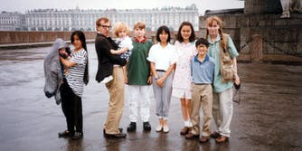 (left to right) Ronan Farrow, Lark Previn, Woody Allen, Dylan Farrow, Fletcher Previn, Daisy Previn, Soon-Yi Previn, Moses Farrow, and Mia Farrow