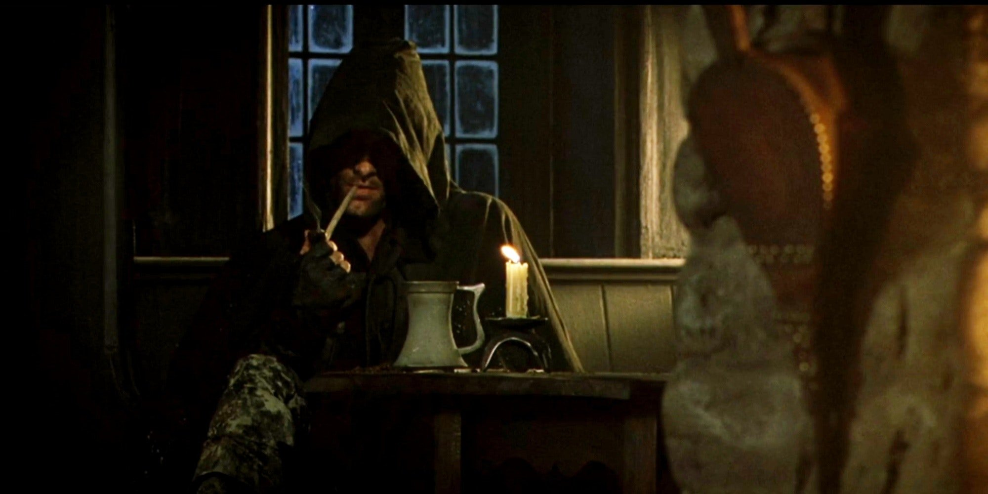 an image from lord of the rings showing aragorn (Viggo Mortensen) in the bar.
