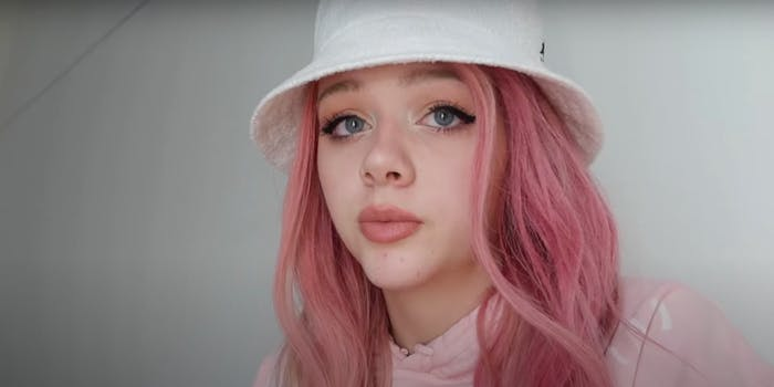 Justine Paradise in her new video