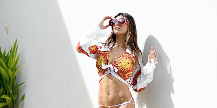 Mia Kalifa wearing sunglasses.
