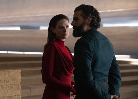 rebecca ferguson (left) and oscar isaac (right) in dune
