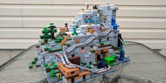 lego minecraft mountain