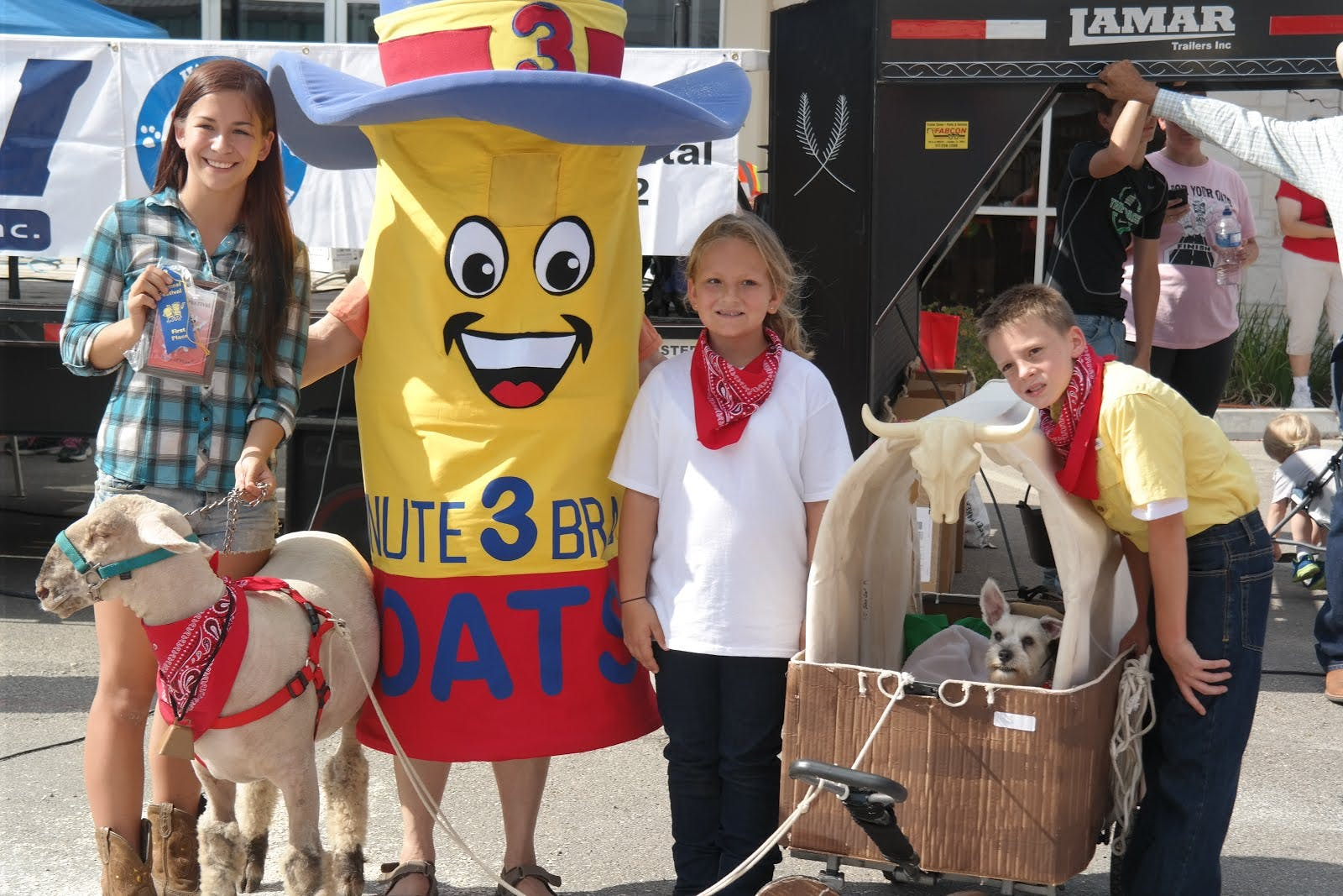 This lovely group won Best in Show for their covered wagon Oregon Trail themed get-up.