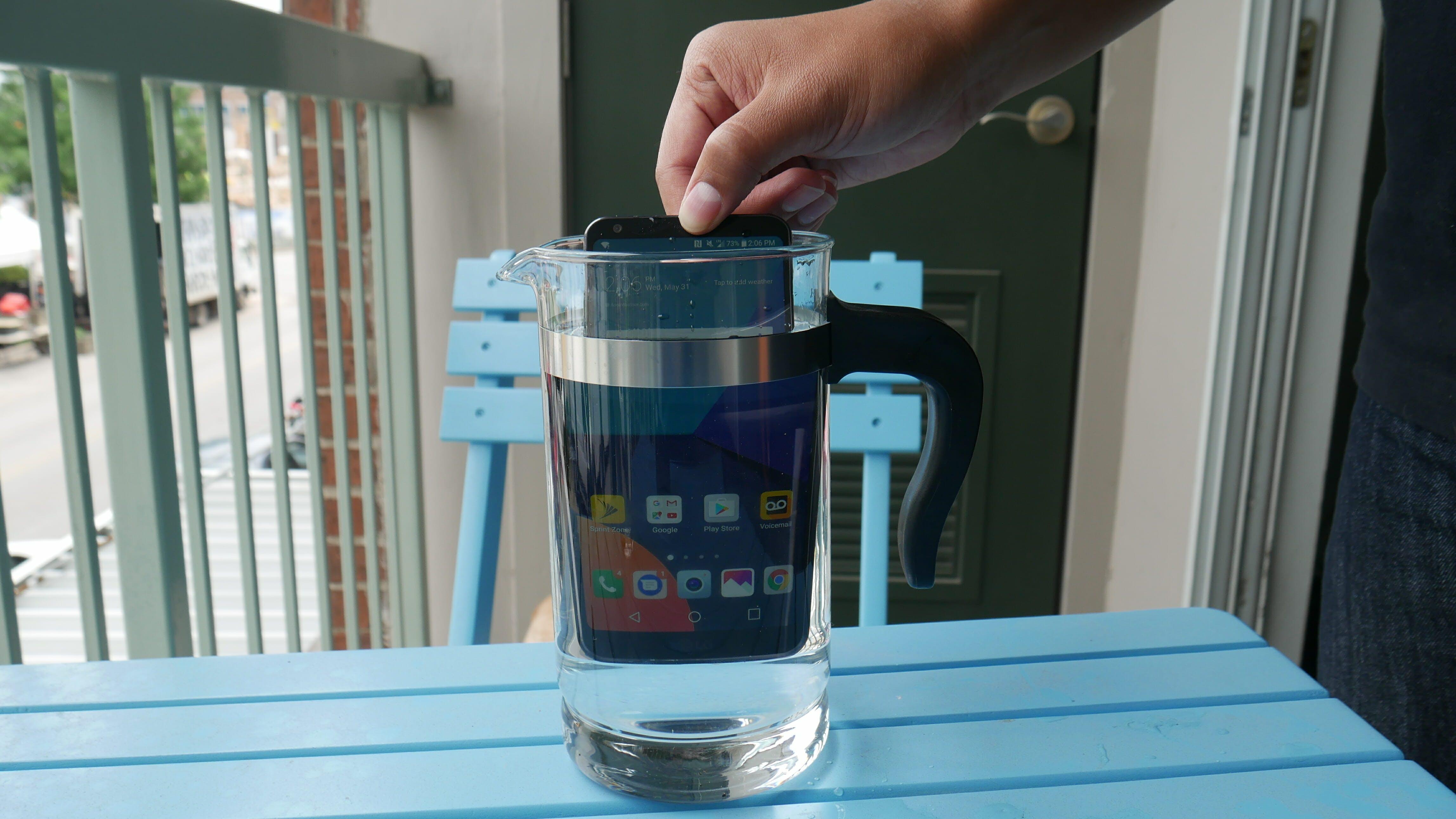 lg g6 waterproof smartphone review