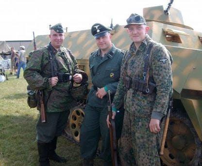 Hans Lichterman (L) in Nazi uniform