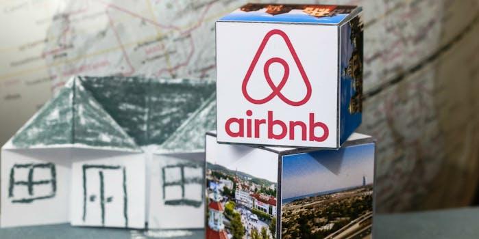 airbnb rental site logo